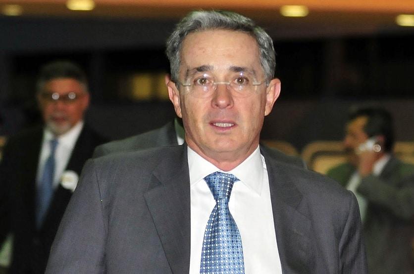 Biografía de Álvaro Uribe Vélez
