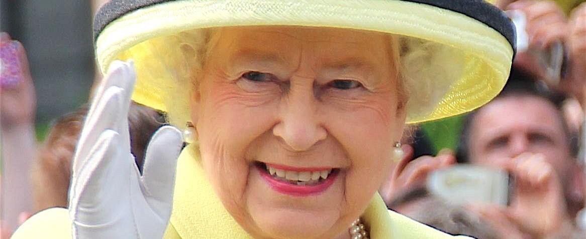 Biografía de Isabel II de Reino Unido