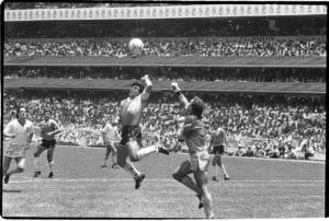La mano de dios, Maradona. Foto: Clarin.com